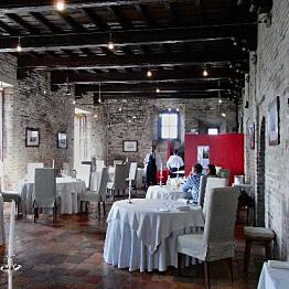 Dinner each night in Grinzane Cavour