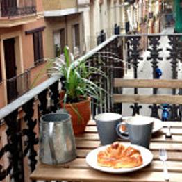 Airbnb apartment in Gracia