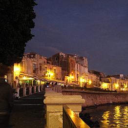 Romantic dinner in Ortygia
