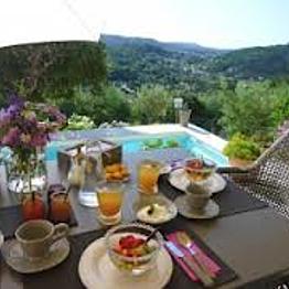 Breakfast in Cannes