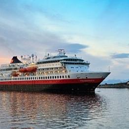 Dinner aboard the FS Finnmarken