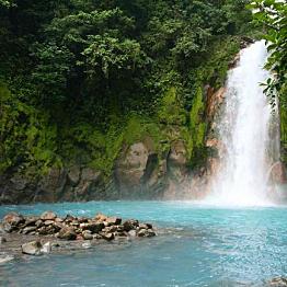 Río Celeste hike
