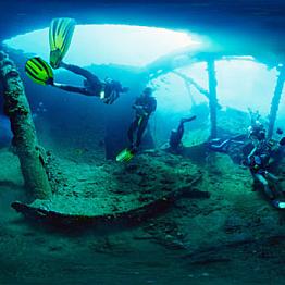 Diving the Tulamben Shipwreck