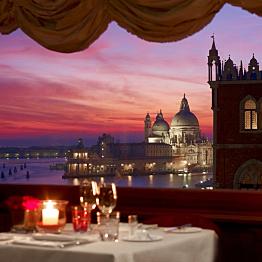 Romantic Dinner in Venice