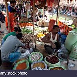 Explore the local market in Chiang Rai