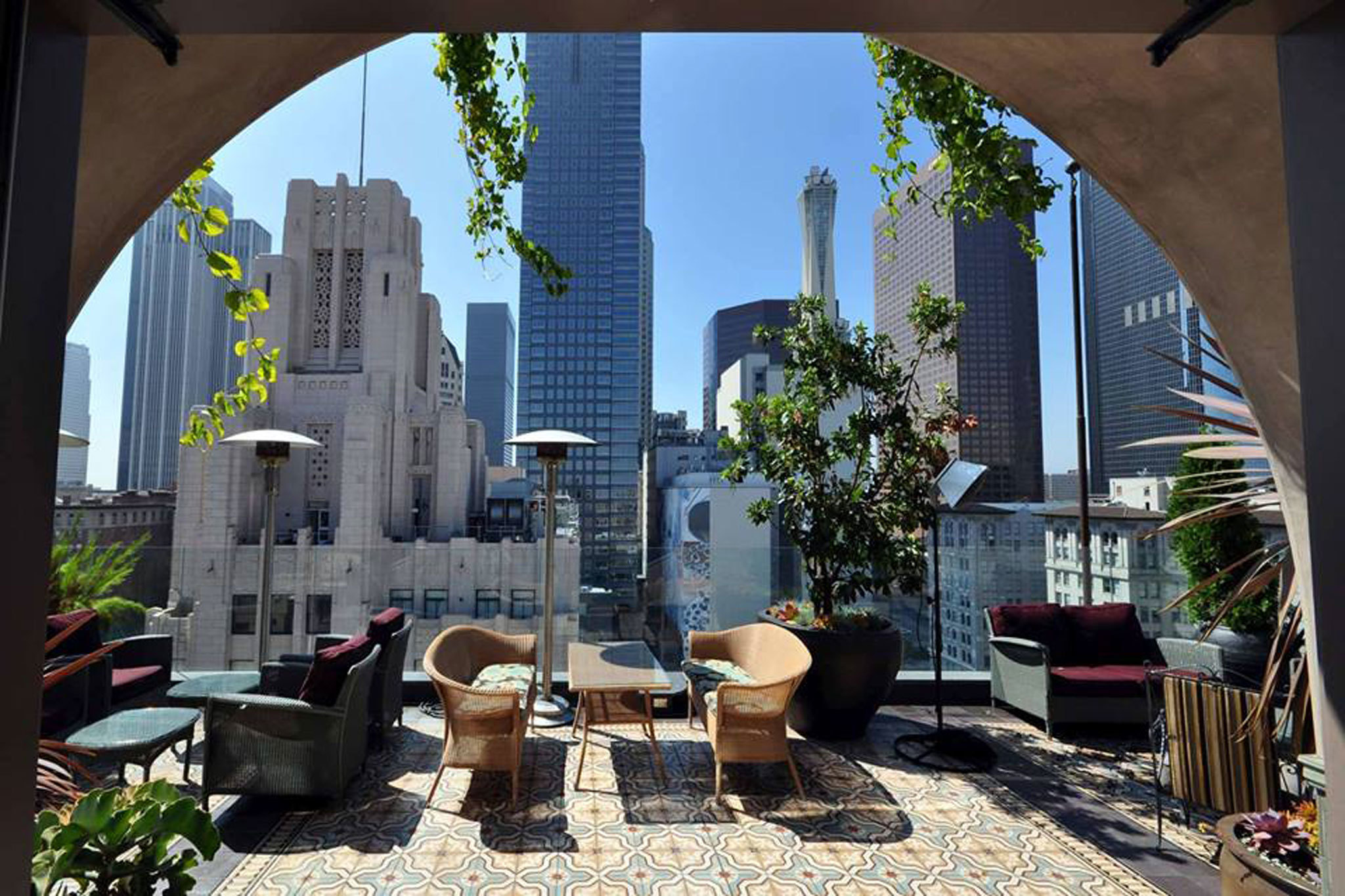 perch la rooftop bar