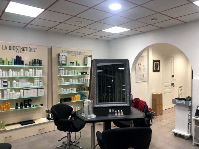 L'espace coiffure du salon Sophie Franchetto à Épernay