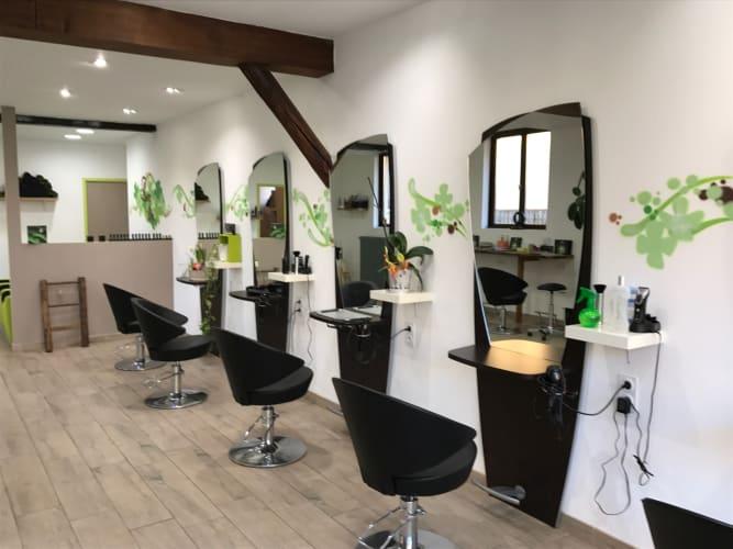 Les fauteuils de coupe de notre salon de coiffure