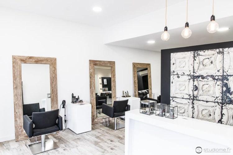 Une vue complète du salon de coiffure Karol Coiffure au Pontet