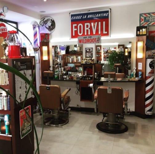 Le coin barbier du salon JR Coiffure à Tain-l'Hermitage