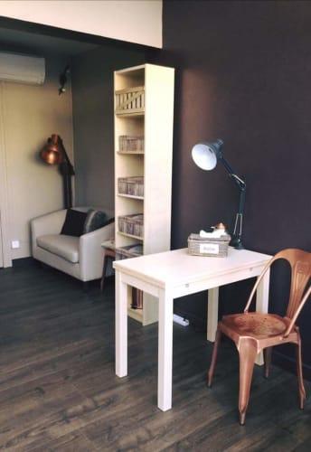 La cabine de soins de l'institut de beauté l'Eveil des sens à Saint-Clair-du-Rhône