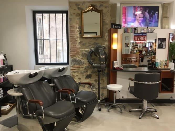 Les bac à laver du salon JR Coiffure à Tain-l'Hermitage