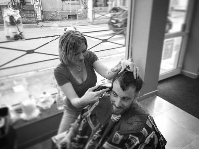 Rasage barbe à RAON-L'ÉTAPE