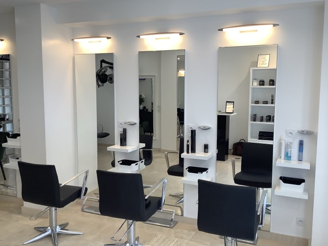 Le salon Hand in Hair à Bougival : un salon tendence et moderne