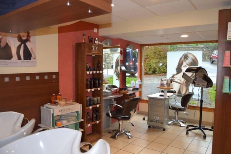 La salle du salon de coiffure et institut de beauté Coupe 66 à Bogève
