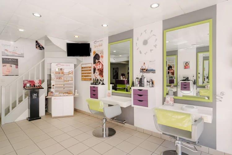 Le salon de coiffure Tendance Nature : une décoration moderne et épurée
