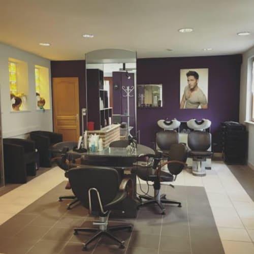 Intérieur du salon de coiffure Vidéo-Coiff, à Valmont