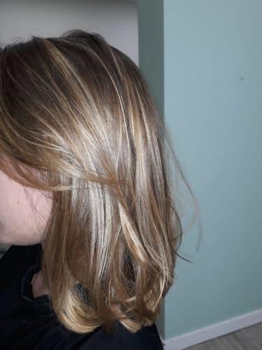 Des mèches blondes