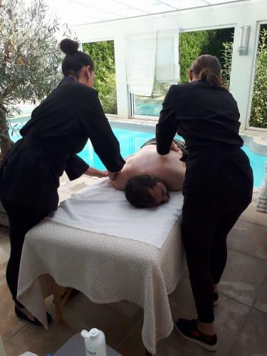 Un client entrain de se faire masser