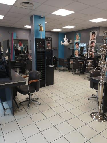 Le salon de coiffure mixte UNIV'R De Coiffure à Cenon
