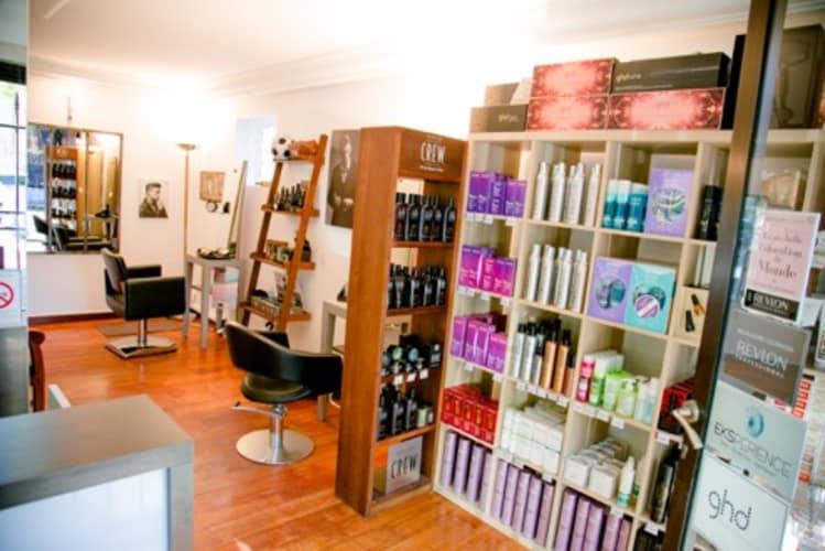 Intérieur salon de coiffure