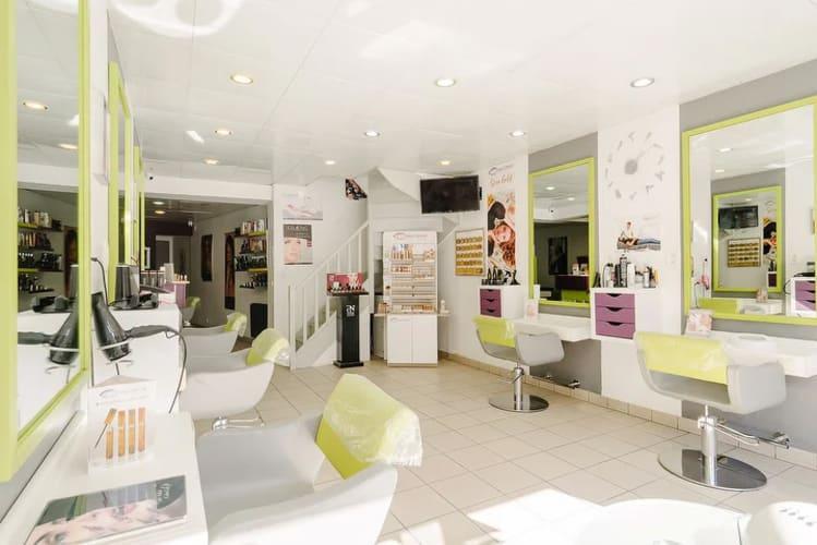 La salle du salon de coiffure Tendence Nature à Noisy-Le-Grand