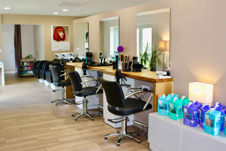 La salle du salon de coiffure Ambiance Coiffeur-Créateur à La Chaussée-Saint-Victor