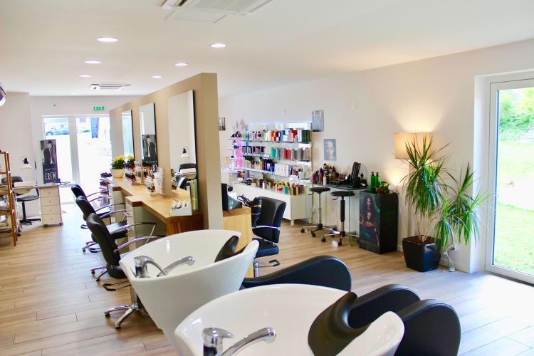 Les bac à laver du salon de coiffure Ambiance Coiffeur-Créateur à La Chaussée-Saint-Victor
