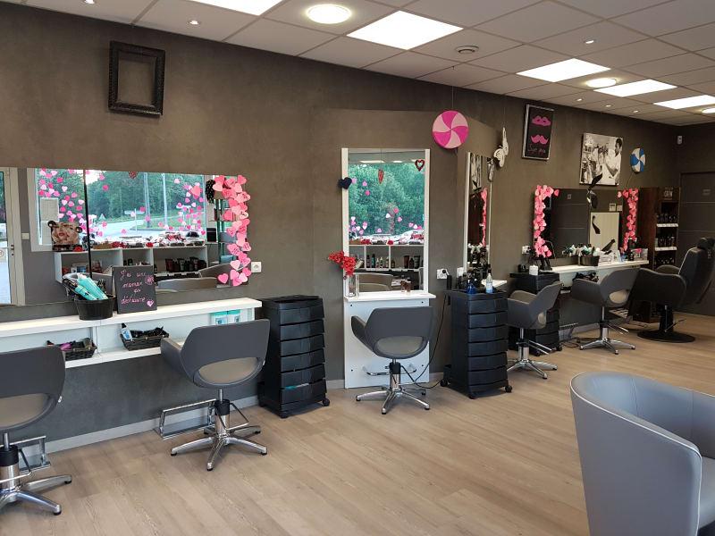 Salon de coiffure mixte à Mésigny