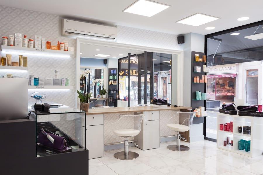 Salon de coiffure mixte à Courbevoie