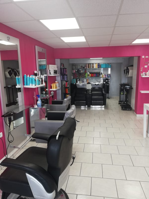 Salon de coiffure à Brou