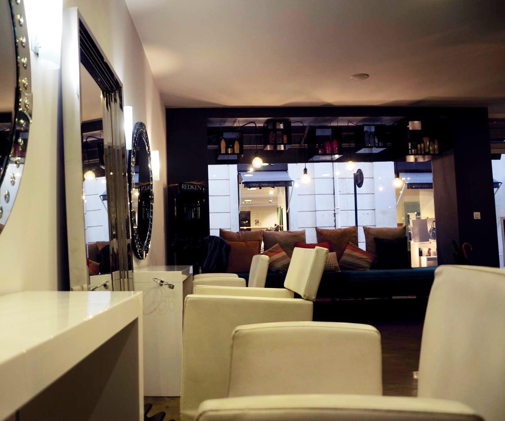 LM espace coiffure, salon de coiffure mixte à Nîmes
