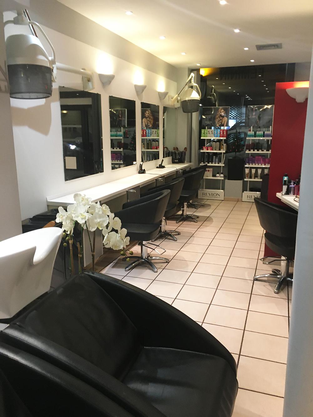 Salon de coiffure et institut de beauté à Paris