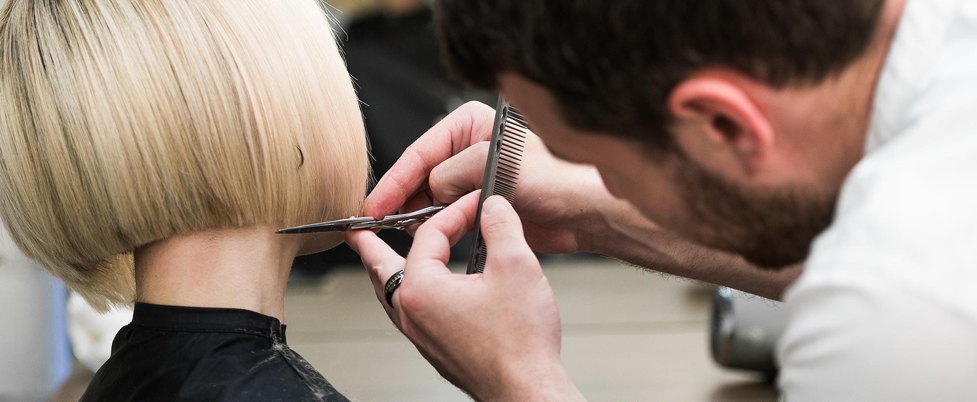 Salon de coiffure mixte à Paris 8