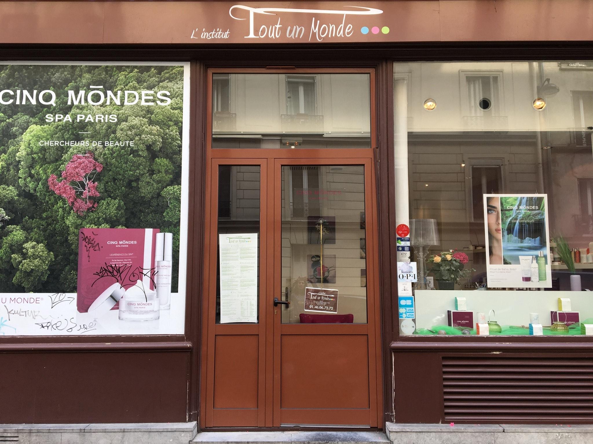 salon de beauté à Paris 18