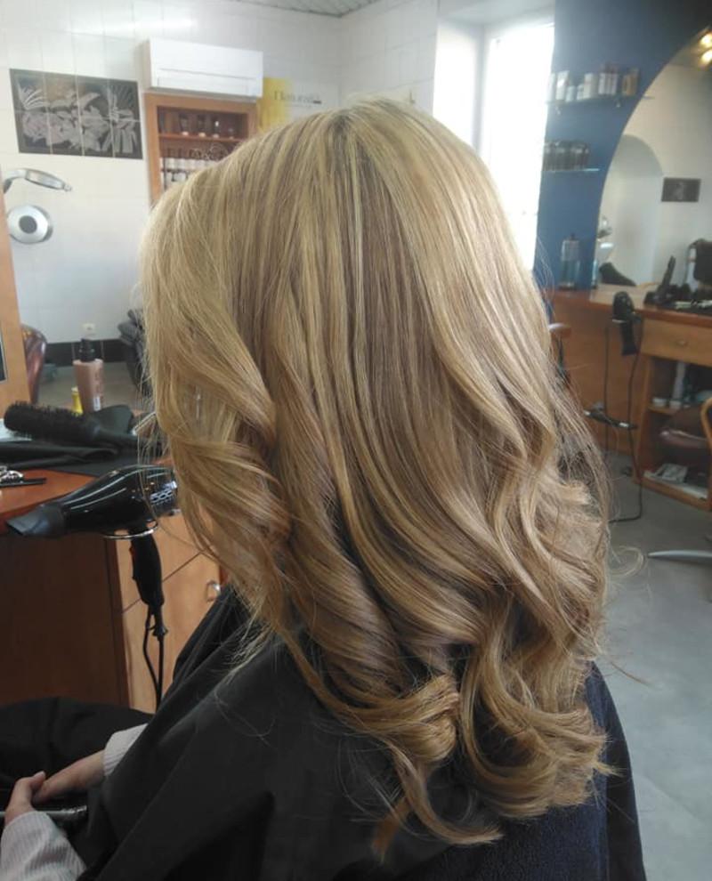 Salon de coiffure mixte à Saint-Pierre-la-Palud