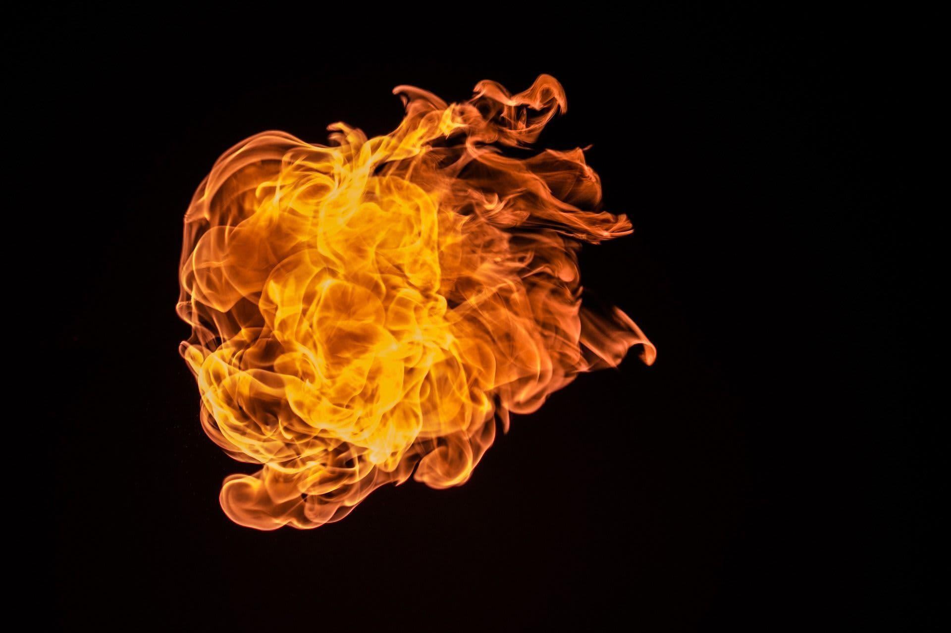 existen cinco elementos en la acupuntura, el fuego es uno de ellos