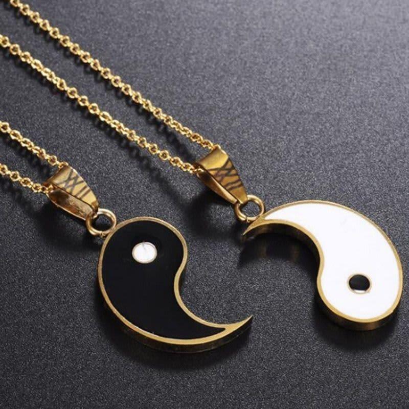 Juego de colgante de Yin y Yang para pareja, collar de tendencia de rompecabezas, regalo de cumpleaños, 2 unidades