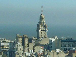 Ofertas de vuelos económicos a Montevideo