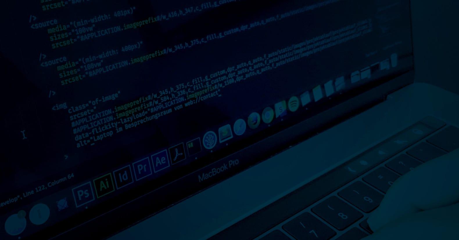 Quellcode im Texteditor auf MacBook Pro
