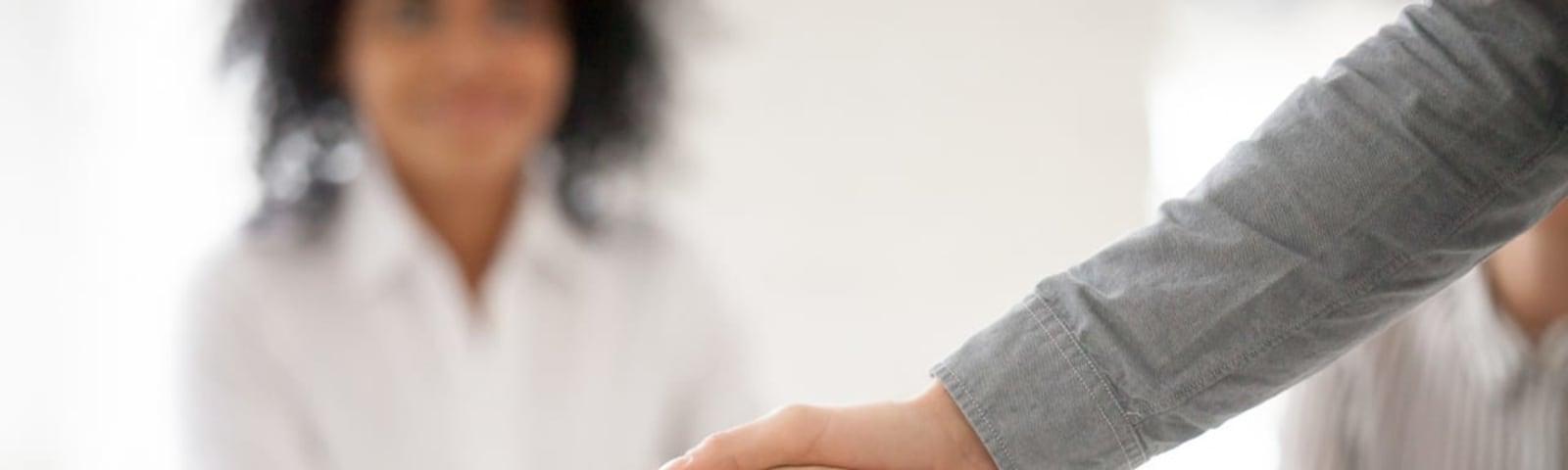 Imagem de destaque do post O uso de canais eletrônicos no processo de vendas
