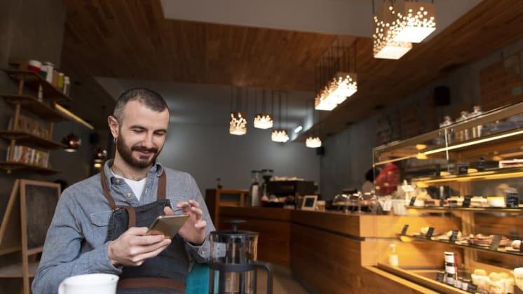 Thumbnail do post Marketing digital para empreendedores: como interagir com os clientes nas redes sociais