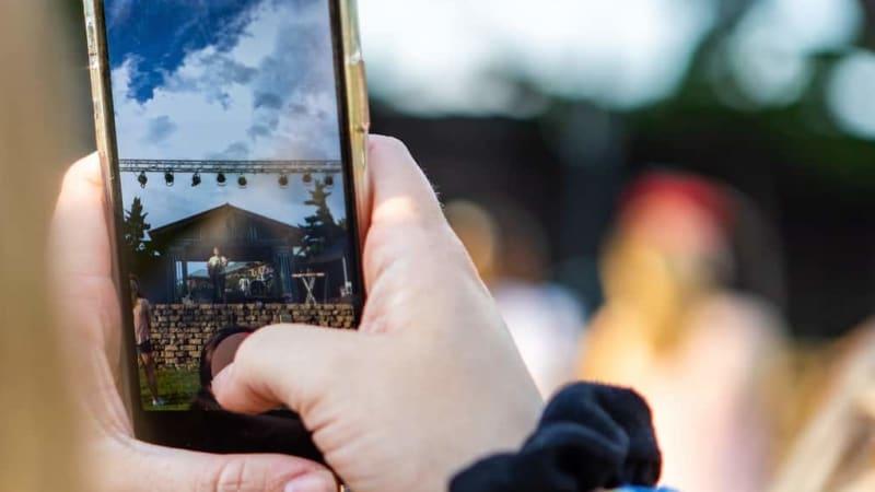 Imagem de destaque do post Por que fazer vídeos para instagram aumenta a visibilidade da sua marca?