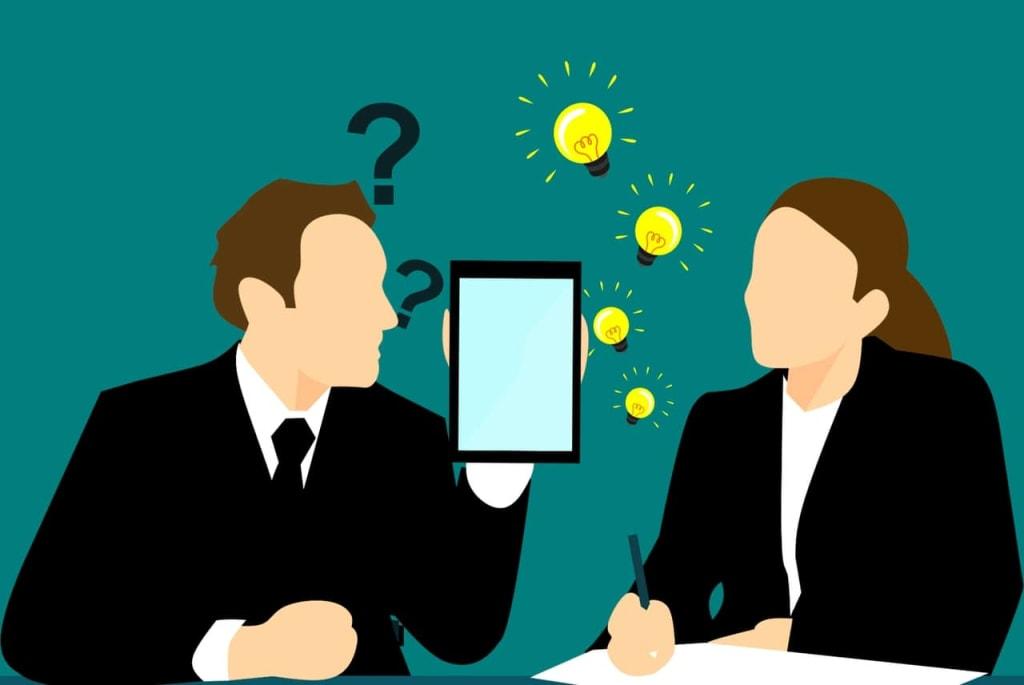 ilustração de um homem e uma mulher pensando em gatilhos mentais para venda