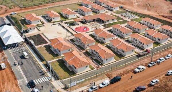 Governador entrega primeiro condomínio exclusivo para idosos do Paraná