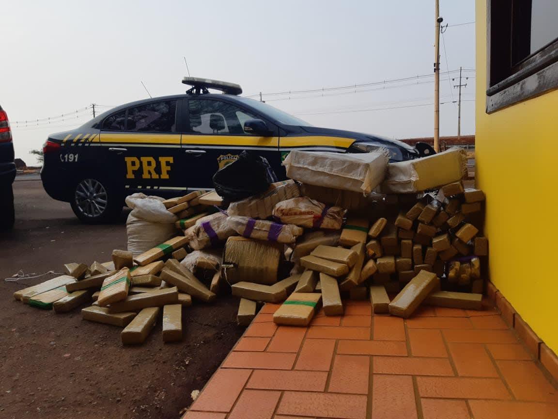 PRF apreende quase 300 quilos de maconha no Paraná