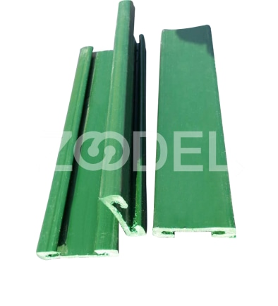 Plastic profile for automatic doors