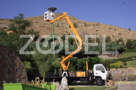 Articulated Truck Mount Lift (AL1200) - fiberglass basket - Lajvar Company