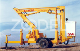 Articulated Towed on Trolley (TML 900) With Fiberglass Basket - Lajvar Company