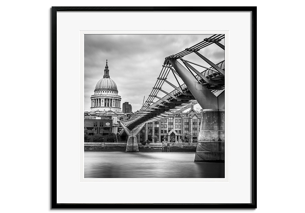 Bridge to St. Pauls by Assaf Frank